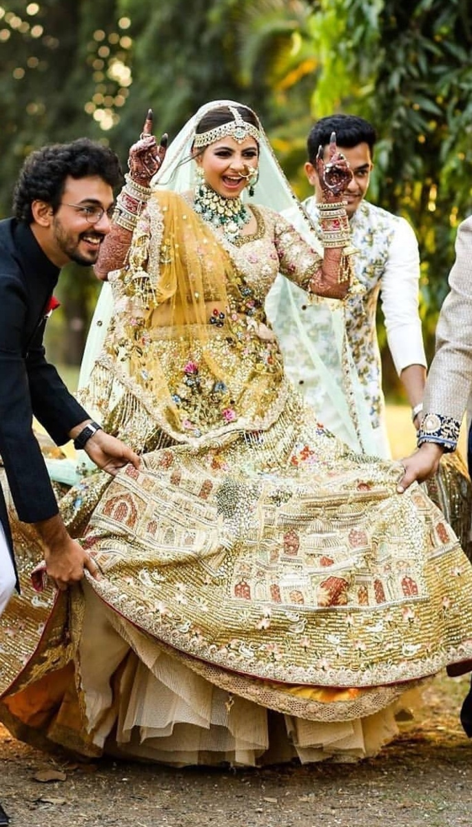 20 Stunning Photos of Desi Brides - dance