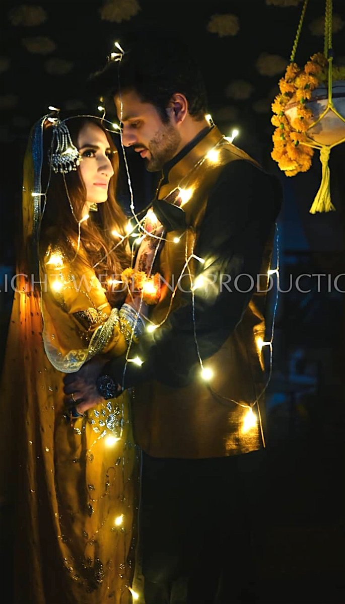 20 Stunning Photos of Desi Brides - lights