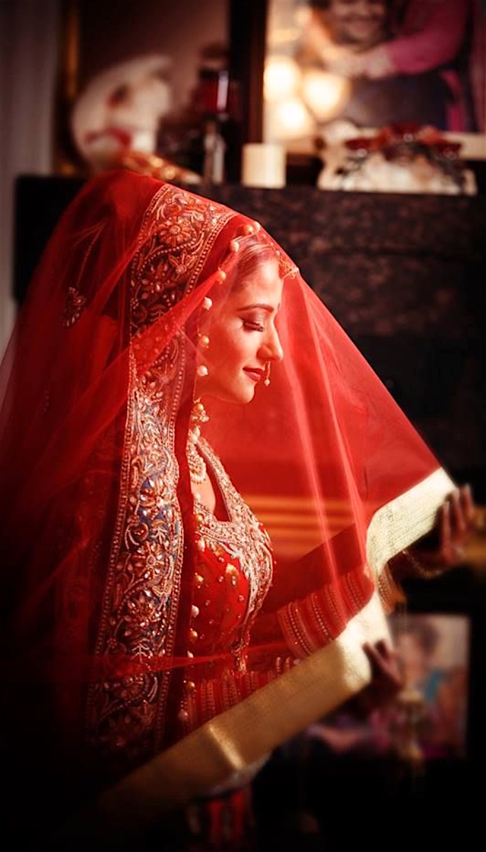 20 Stunning Photos of Desi Brides - scarf