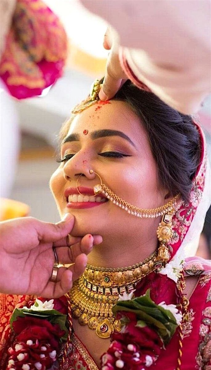 20 Stunning Photos of Desi Brides - sindoor