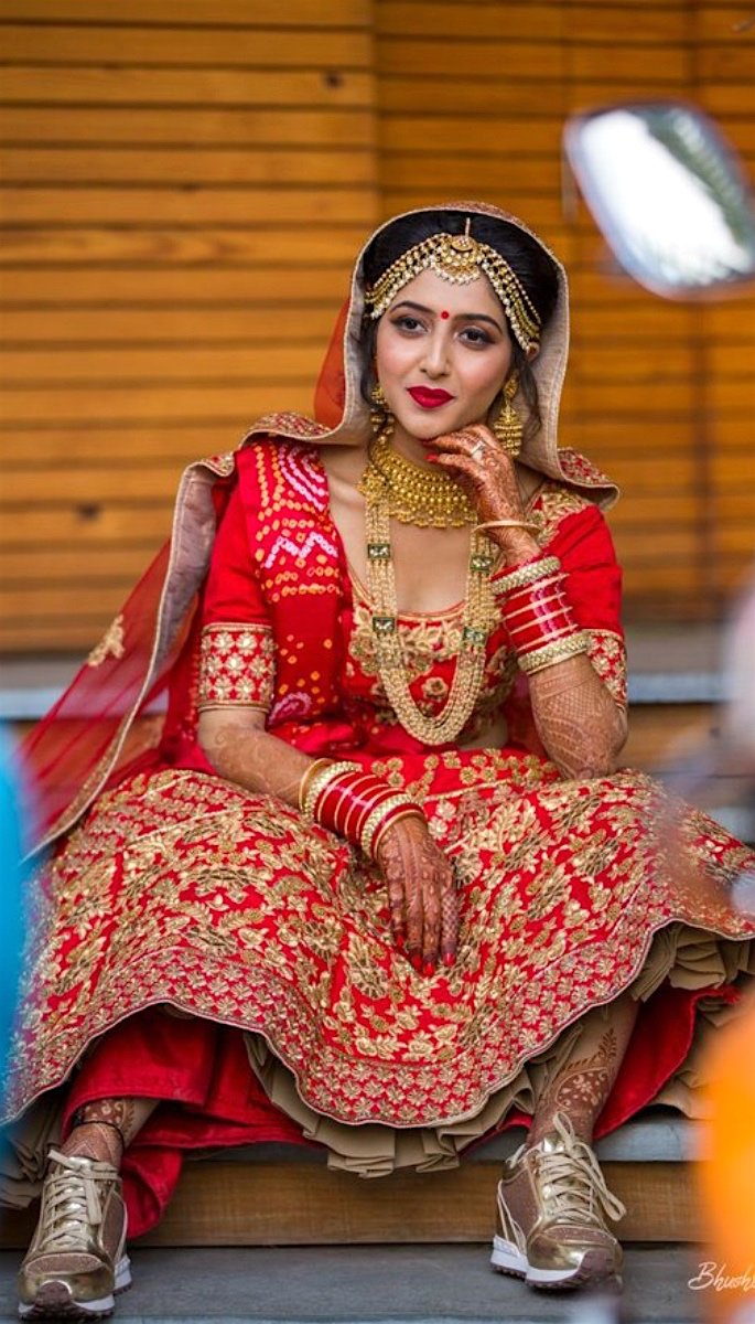 20 Stunning Photos of Desi Brides - trainers