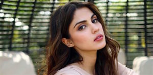 Rhea Chakraborty didn't Name Bollywood Actors during Probe f