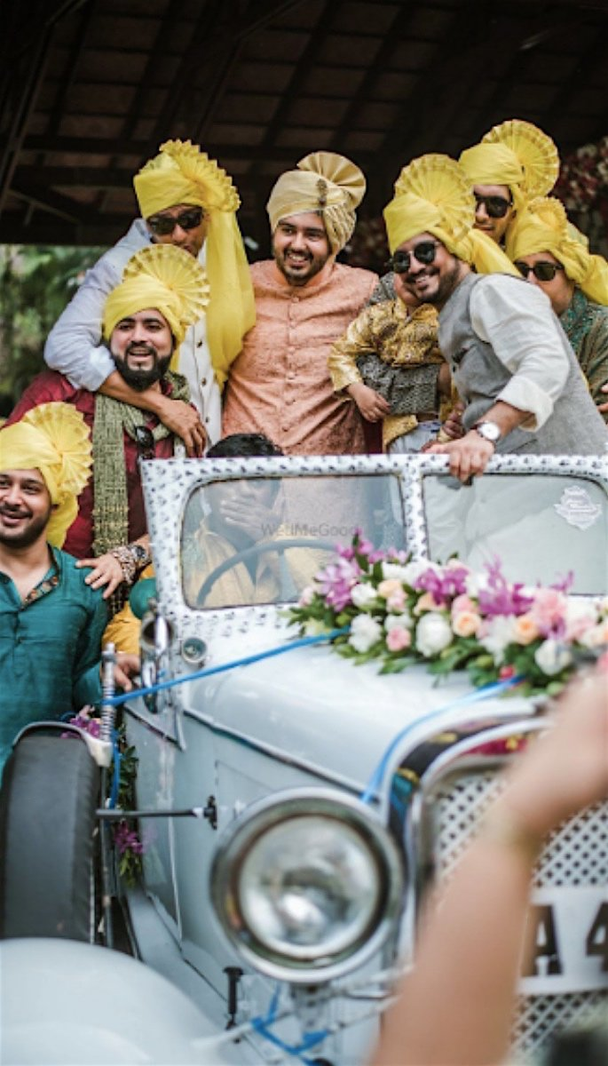 20 Amazing Desi Grooms Photos - car