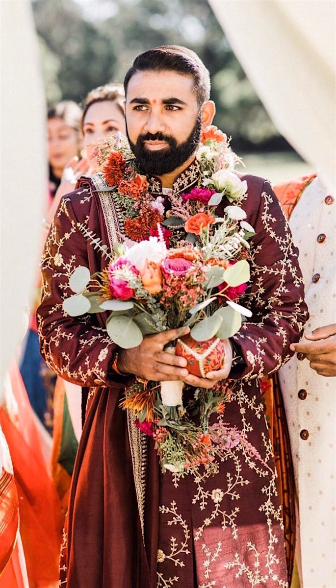 20 Amazing Desi Grooms Photos - flowers