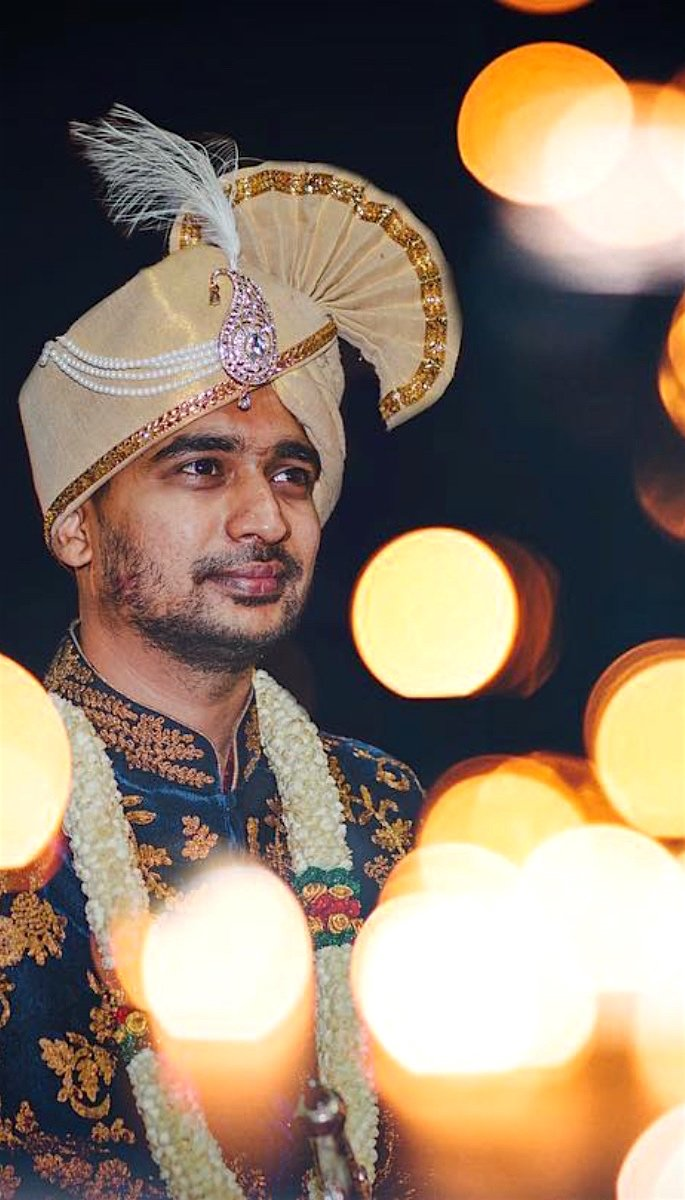 20 Amazing Photos of Desi Grooms - lights
