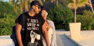 Arjun Kapoor calls GF Malaika a 'Fool' on her Birthday f