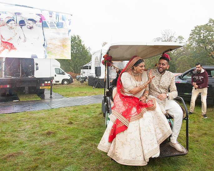 Couple have Drive-in Wedding with 200 Guests 3