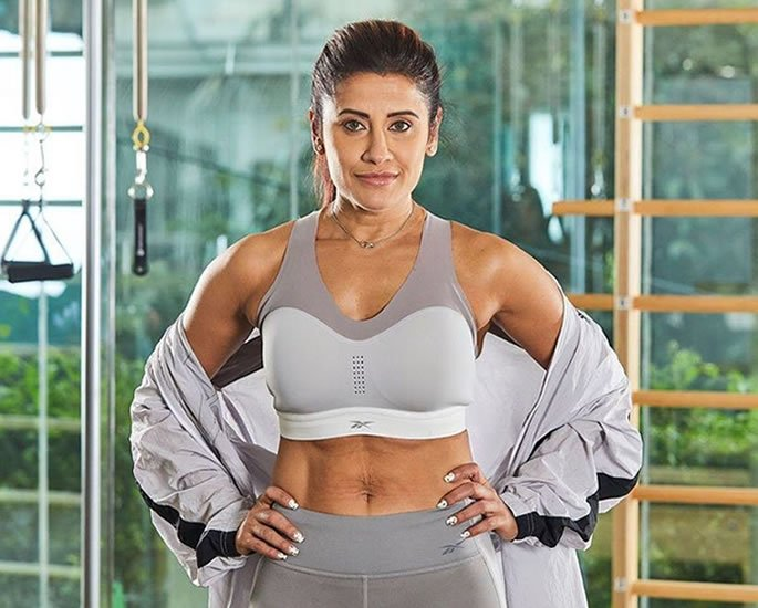 Gets Your Abs Toned with Yasmin Karachiwala's Exercises