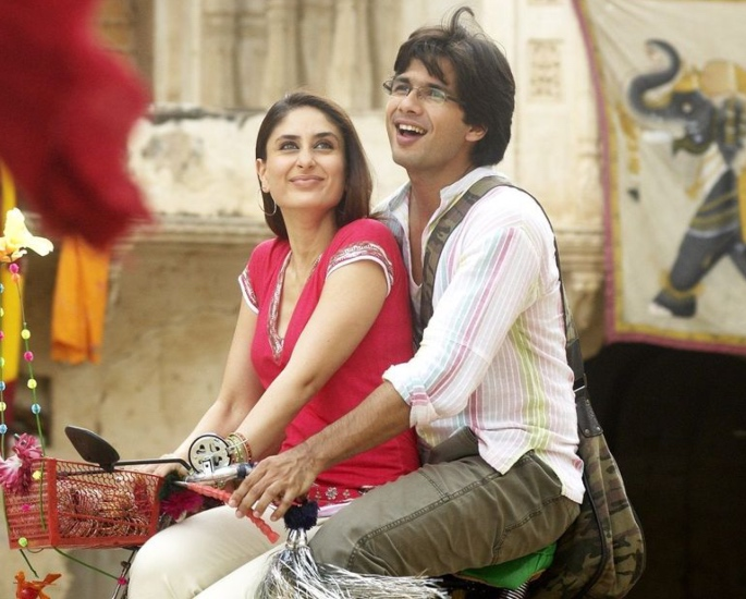 Imtiaz Ali's 'Jab We Met' Completes 13 Years - bike