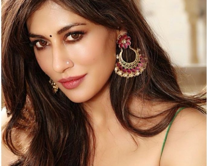 'Dusky' Actresses Take on Discrimination in Bollywood - chi