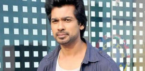 Nikhil Dwivedi slams 'stupid' Bollywood Celebs for Holiday Pics f