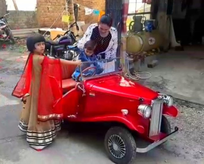Indian Mechanic builds Toy Car to fulfil Daughter's Wish