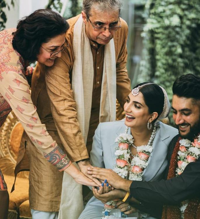 यूएस इंडियन ब्राइड ने अपनी वेडिंग 2 के लिए सूट पहना