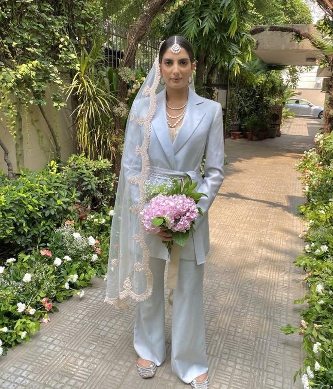 यूएस इंडियन ब्राइड ने अपनी शादी के लिए सूट पहना