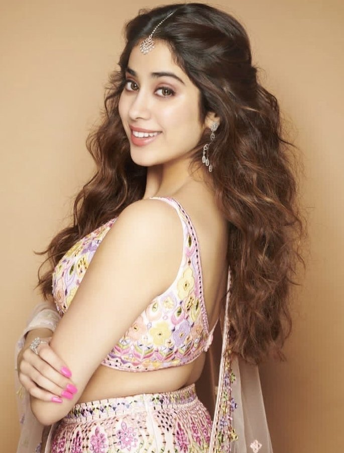 Youngest Bollywood Actresses destined for Stardom - janhvi kapoor