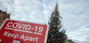 क्रिसमस को लेकर यूके कोविद -10 प्रतिबंध के बारे में 19 जवाब