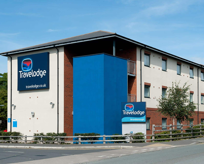 10 Answers about UK Covid-19 Restrictions over - hotel