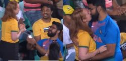 Indian Man proposes to Australian Girlfriend during ODI Match