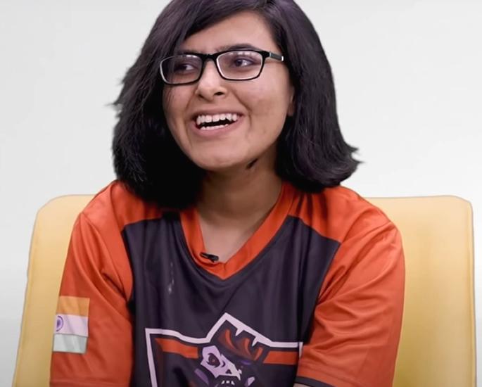 Popular Indian Female PUBG Players on YouTube - rav3n
