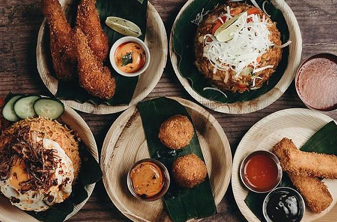 लॉकडाऊन दरम्यान देशभरात वितरण करीत श्रीलंकेचे रेस्टॉरंट