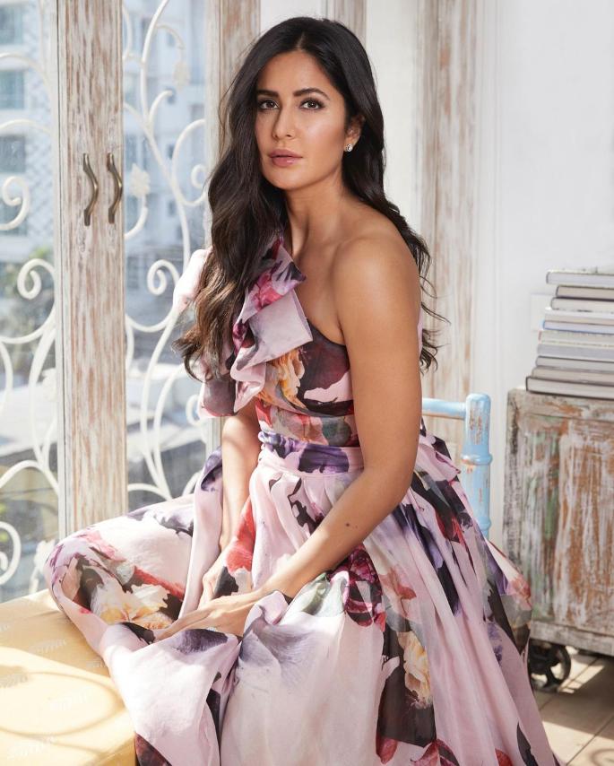 5 Stylish Looks of Bollywood Actresses for 2021 Katrina Kaif -