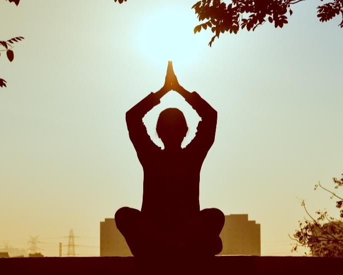 लिबिडो को बढ़ावा देने के लिए 9 प्राकृतिक तरीके - आराम करें