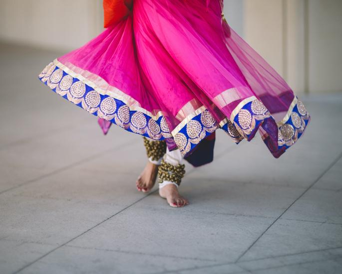 دہلی یونیورسٹی سنگاپور کے طلبا کو ہندوستانی فن کی شکل میں تربیت دے رہی ہے۔