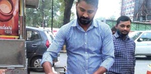 Indian Entrepreneur turns to Tea Selling post-Lockdown f