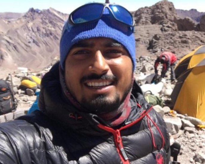 Two Indian Climbers banned for faking Everest Summit-Yadav (1)