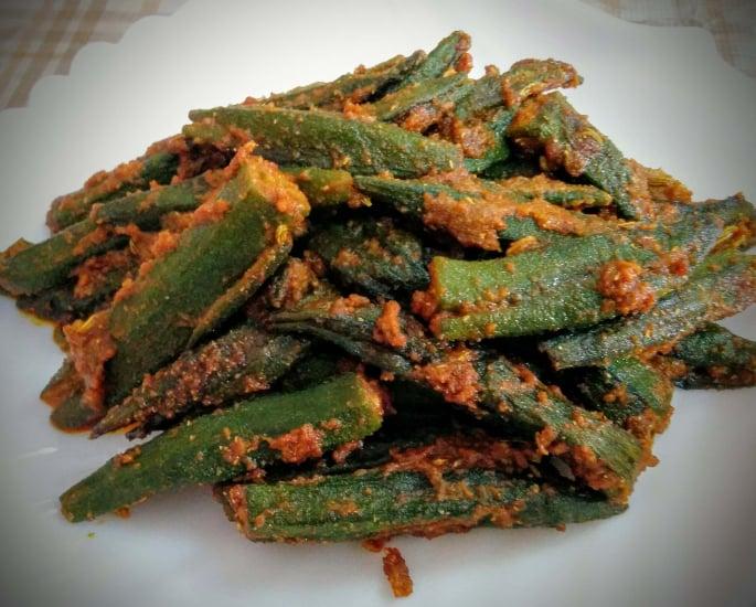 7 भारतीय खाद्य व्यंजन बनाने के लिए - भिंडी