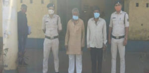 इंडियन मैन 'टॉयलेट' से अधिक भाभी और उनकी माँ को मारता है
