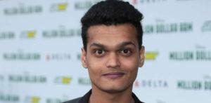 स्लमडॉग अभिनेता ने गर्लफ्रेंड के यौन उत्पीड़न के आरोपों पर प्रतिक्रिया दी f