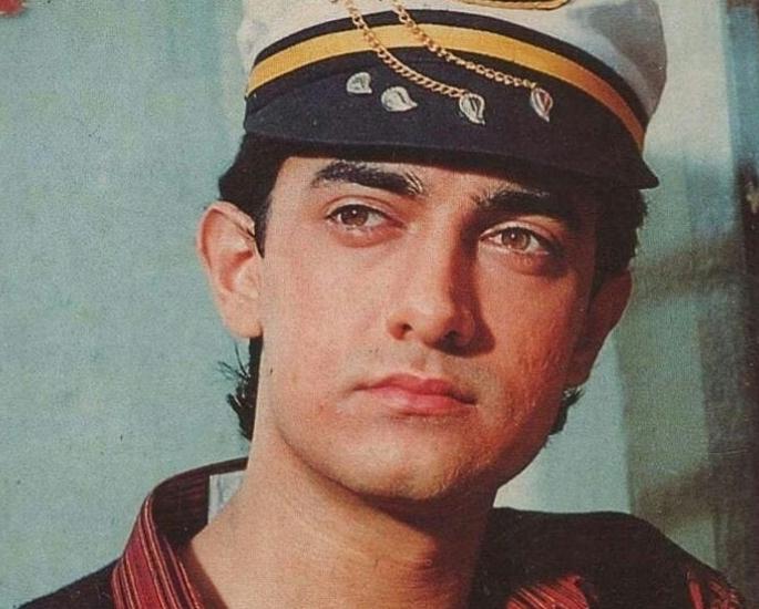 Top 12 Aamir Khan Performances in Bollywood Films - Dil Hai Ke Manta Nahin