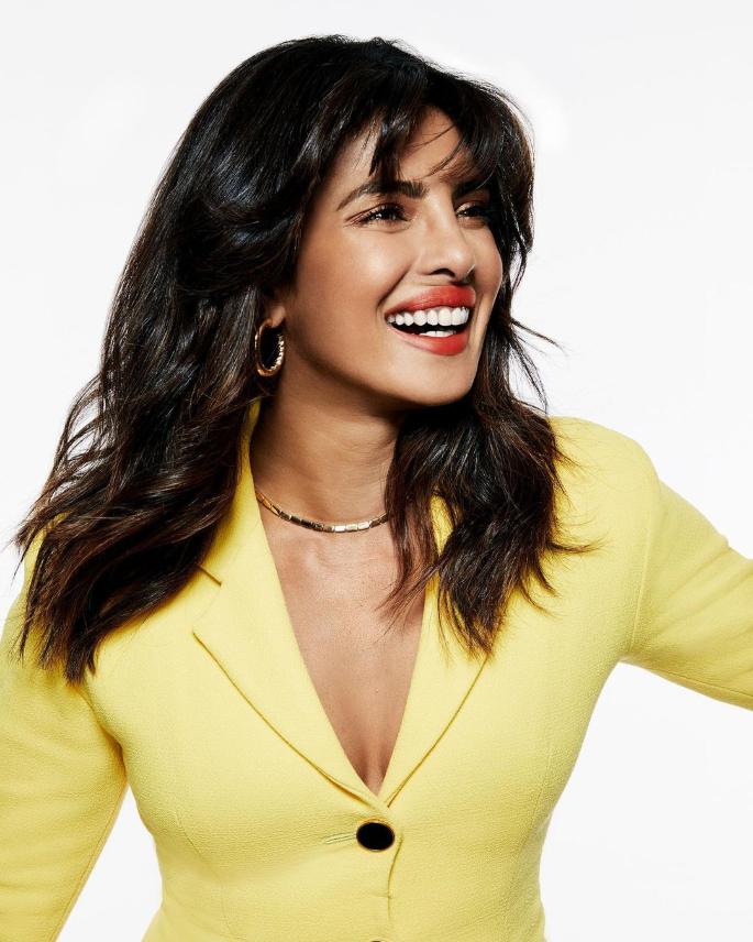 10 Priyanka Chopra Hairstyles to Slay Your Style - soft waves -