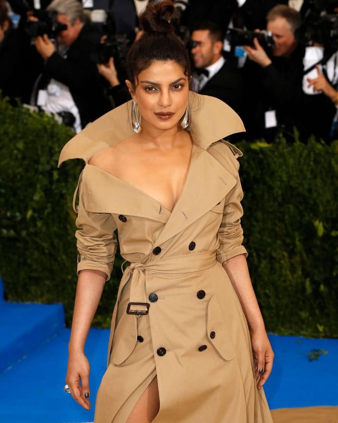 10 Priyanka Chopra Hairstyles to Slay Your Style - topknot