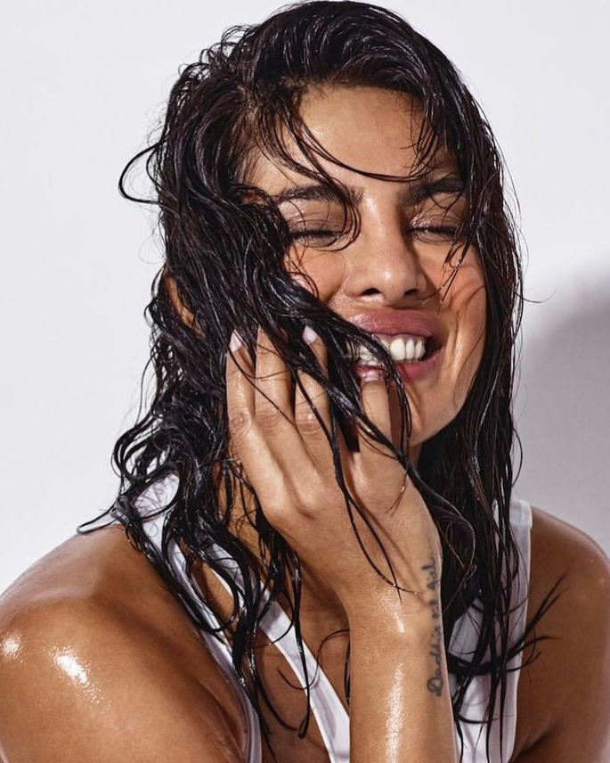 10 Priyanka Chopra Hairstyles to Slay Your Style - wet look -