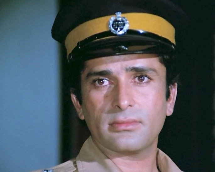 20 Famous Bollywood Police Characters in Movies – Ravi Verma