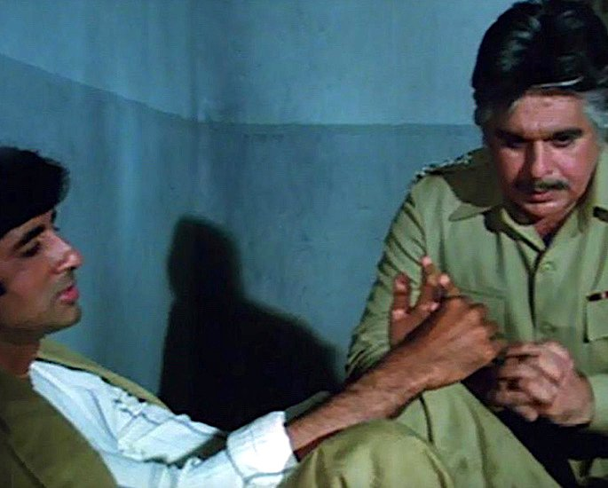20 Famous Bollywood Police Characters in Movies - Shakti