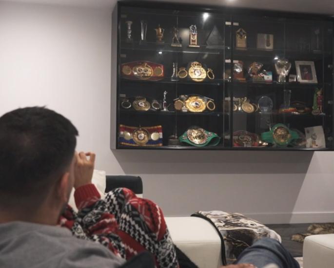 ન્યૂઝ યોર્ક ટ્રિપ પહેલા અમીર અને ફિઅરલ 'મીટ ધ ખાન' - બ boxingક્સિંગ પર દલીલ કરે છે