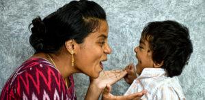 आहेत-दक्षिण-आशियाई-माता-वाढवणारे-नार्सिसिस्ट-सन्स_-एफ-जेपीजी.