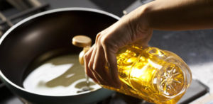 Best Oils & Fats to Use on a Low Carb Diet f