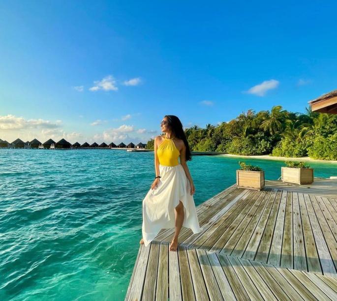 Bollywood stars slammed for 'insensitive' Maldives pics - shraddha kapoor