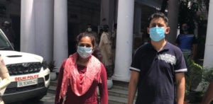 Indian Couple abuse Police after Refusing to Wear Masks f