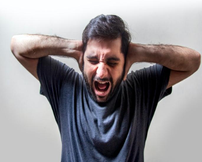 कोविद -19 के दौरान एशियाई माता-पिता के साथ रहने का प्रभाव - तनाव बढ़ रहा है