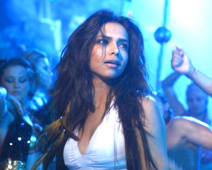 15 Bollywood Films That Make Fun of the Industry – Dum Maaro Dum