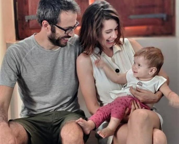 કલ્કી કોચેલિન મધરહુડ-પરિવાર પરના સંસ્મરણો સાથે લેખક તરીકેની શરૂઆત કરે છે