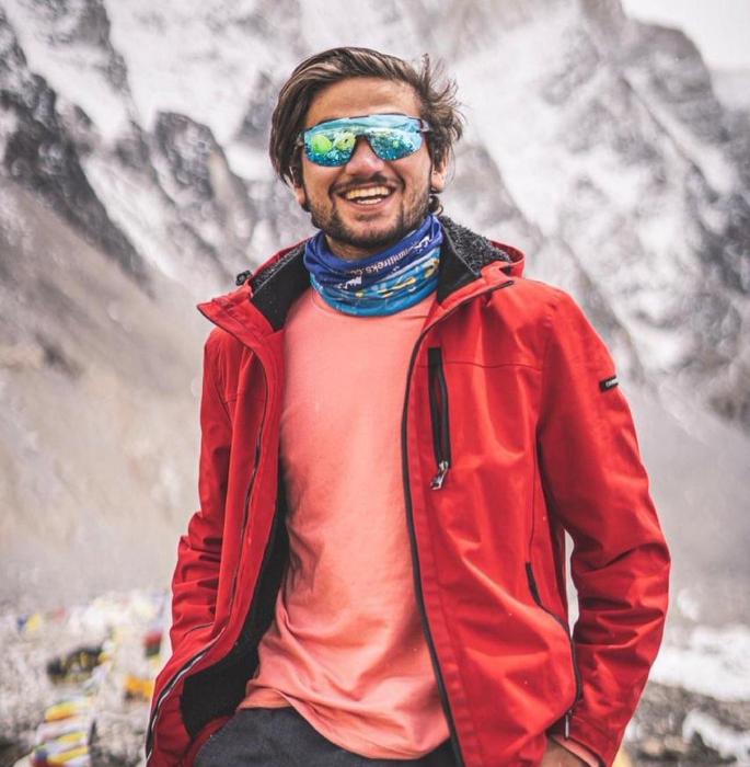 १ Mount वर्षांचा पाकिस्तानी पर्वतारोहण एव्हरेस्ट शिखरावर पोहोचला