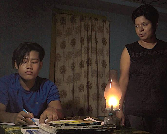இங்கிலாந்து ஆசிய திரைப்பட விழா கலப்பின திட்டம் 2021 - மின்மினிப் பூச்சிகள்