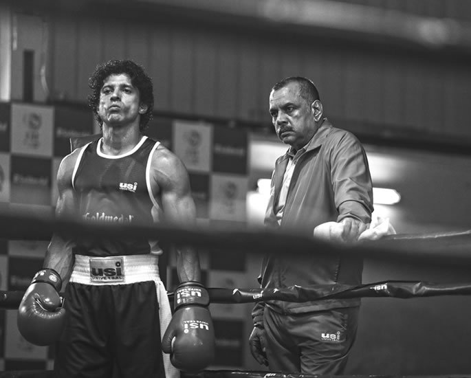 Farhan Akhtar packs a punch in 'Toofaan' Trailer