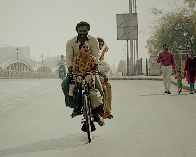 લંડન ભારતીય ફિલ્મ મહોત્સવ 2021: સિનેમા અને Programનલાઇન કાર્યક્રમ - મરા પાપા સુપરહીરો